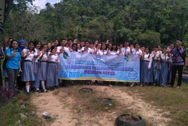Sosialisasi dan Edukasi Peningkatan Kesehatan Jiwa dan Masalah Napza di SMAN 1 Monterado