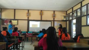 Sosialisasi dan Edukasi Peningkatan Kesehatan Jiwa dan Masalah Napza di SMAN 1 Ledo