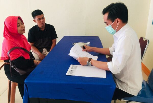 Penuhi Syarat Nikah Dinas Polri, Dua Anggota Polres Bengkayang Beserta Pasangan Datangi Klinik Pratama BNNK Bengkayang