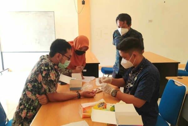 Pemeriksaan Screening Rapid Test Covid-19 Bagi Personil BNN Kabupaten Bengkayang